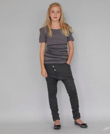 By Hound, ropa moderna para jovencitas