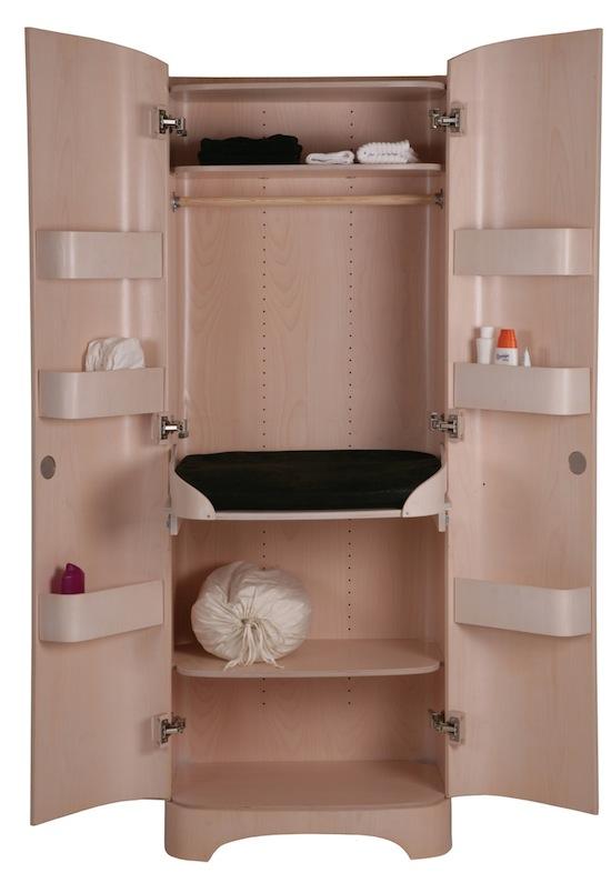 Buscando muebles cambiadores para beb bybodesing for Muebles para toallas