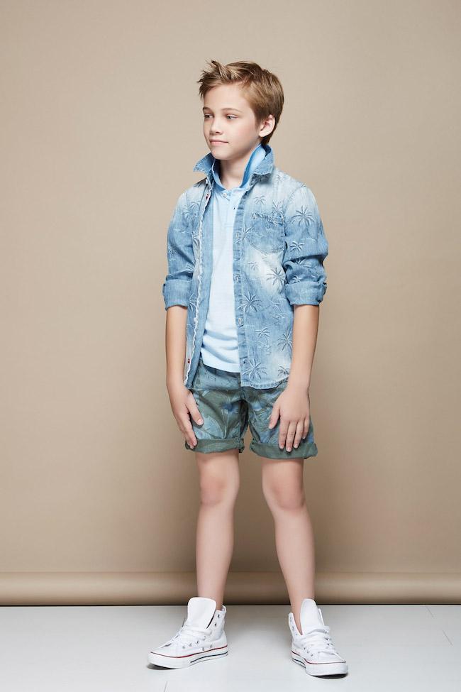 Eccezionale Gaudi Italia moda teenager atractiva RO05