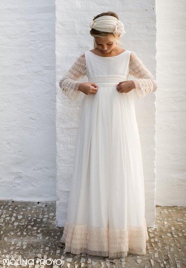 Pilar del Toro comunión, vestidos para ceremonia.