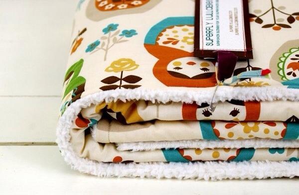 Superfly Lullabies, mantas y baberos para bebé, accesorios y textiles para bebés de Superfly Lullabies