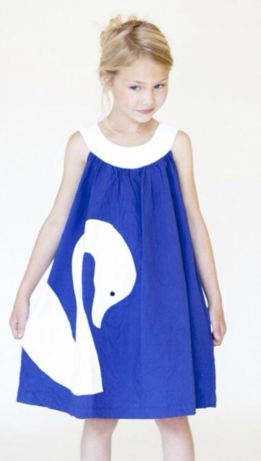 Djäknemåla, vestidos para niñas, colección mágica de moda infantil de la mano de Djäknemåla