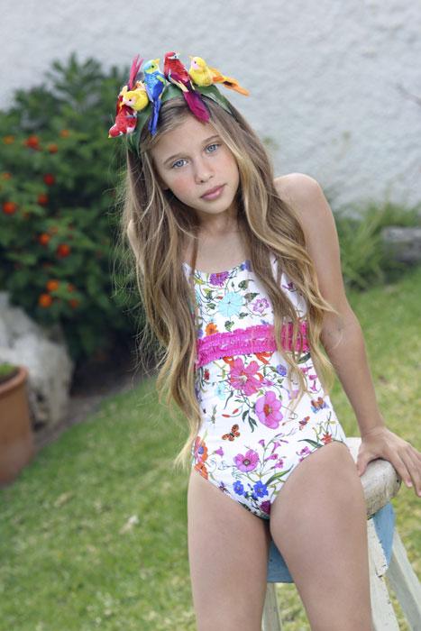 Dolores Cortés moda baño infantil